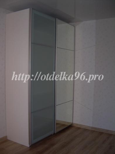 Сборка двухстворчатого шкафа-купе Ikea со стеклянными и зеркальными дверями